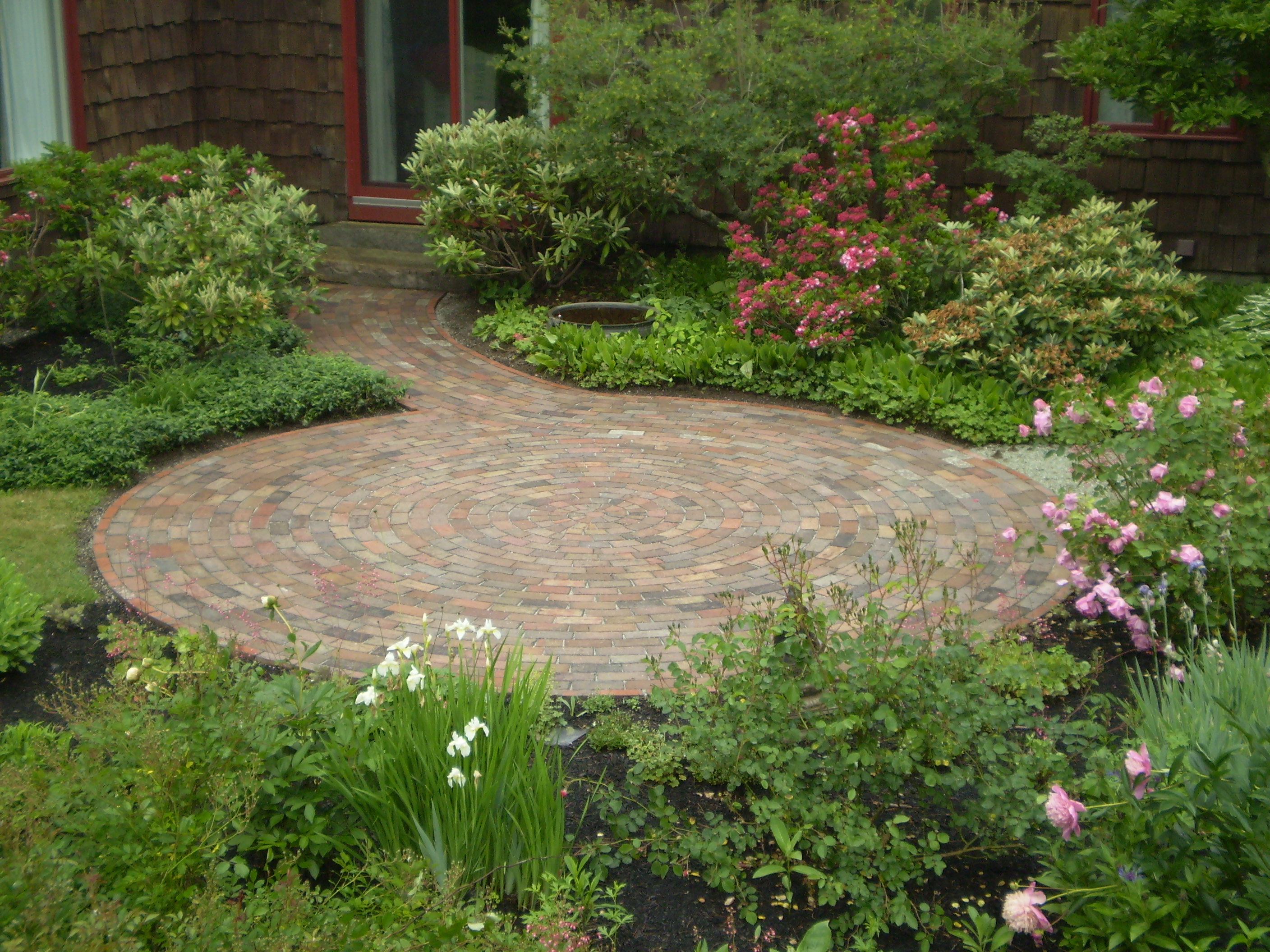 Reclaimed-Brick Patio, Cumberland Foreside, Maine ... on Small Backyard Brick Patio Ideas id=37943